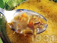 Чорба от спаначени дръжки и топено сирене